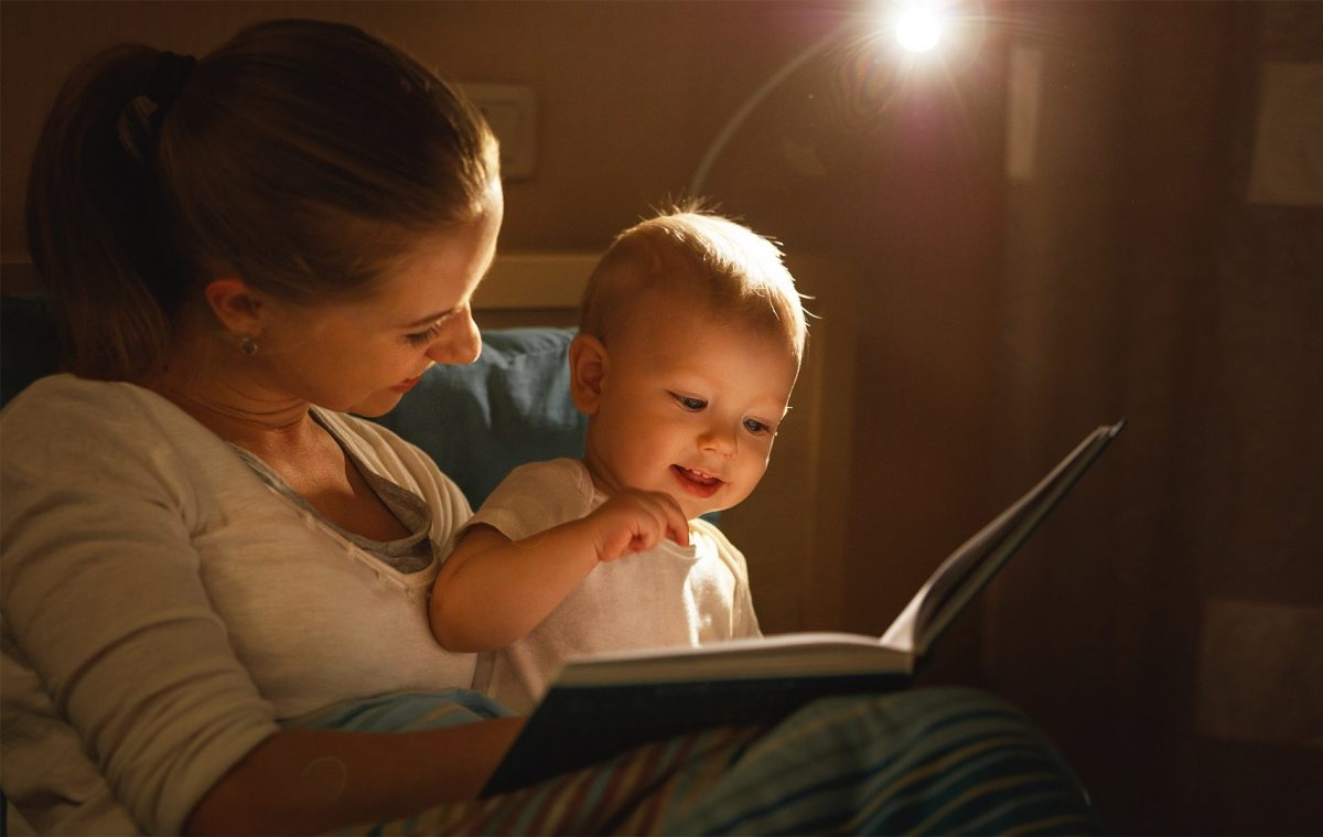 mother-and-baby-child-reading