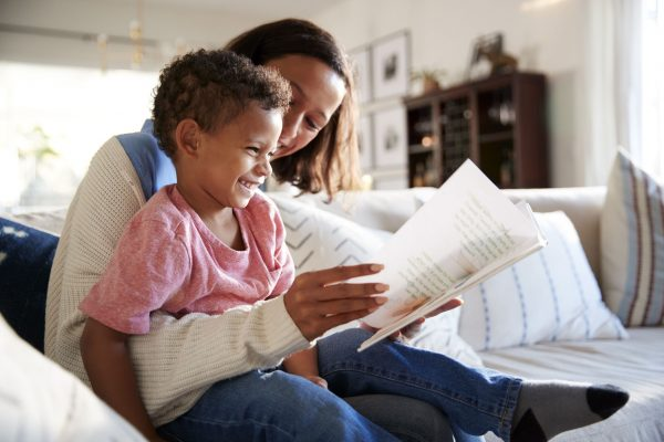 mom-reading-to-child